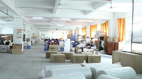 德洛皮沙发有自己的工厂